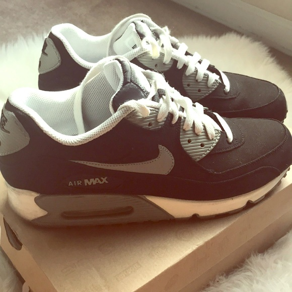 info for f047d 8d421 🧔🏻Men's Nike air max 90 size 10.5 used🧔🏻